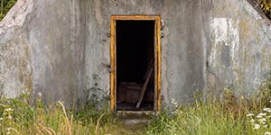 Escape Room Aversa - Airplanes - Bunker Door